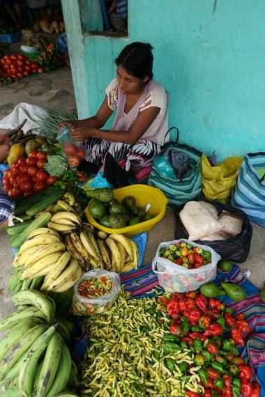 Marktfrau ohne Stand