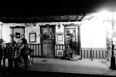 Vor dem Cafe